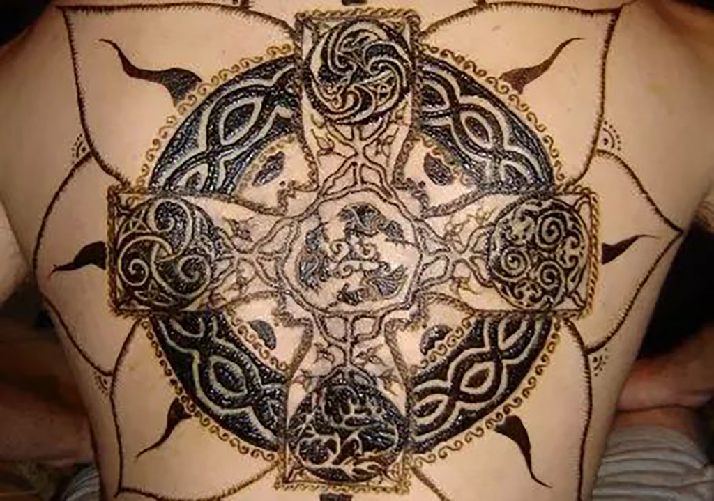 henna celtic cross design
