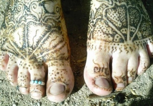 henna mermaid feet