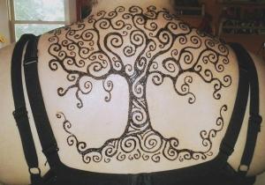 spiral henna tree design