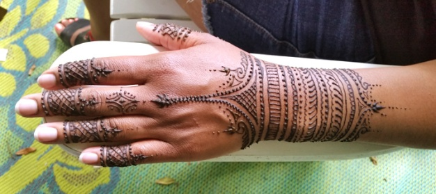 henna arm band