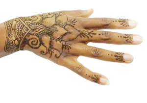 heart shaped flower design with henna