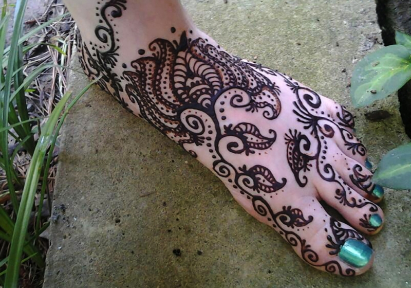 henna goddess foot design